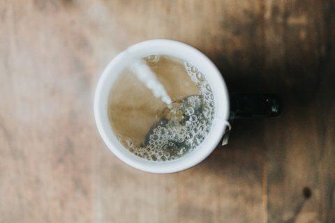 イライラした時、心を癒すお茶の飲み方
